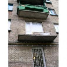 Балкон засклений 010